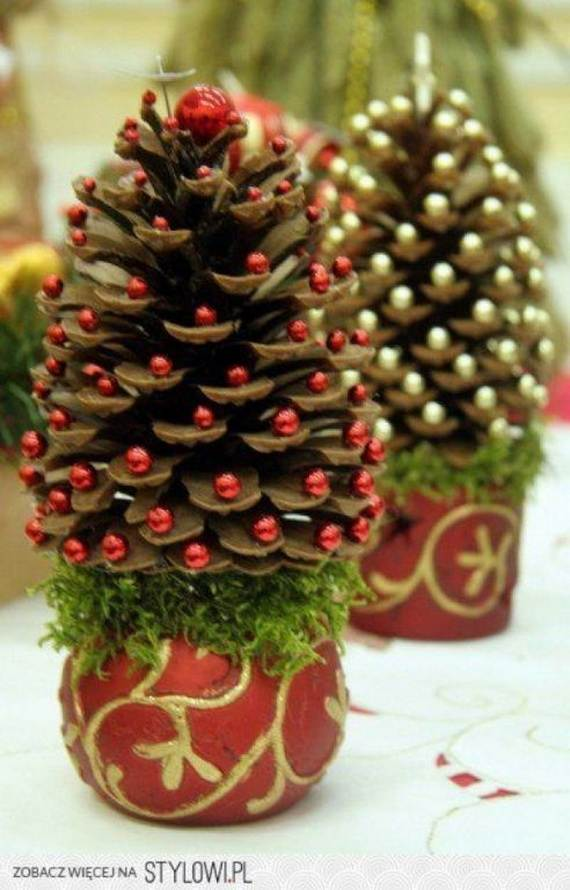 40-Awesome-Pinecone-Decorations-For-the-holidays-3