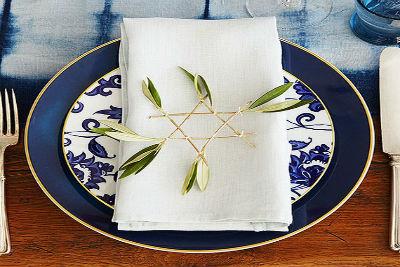 70 Classic and Elegant Hanukkah Decor Ideas