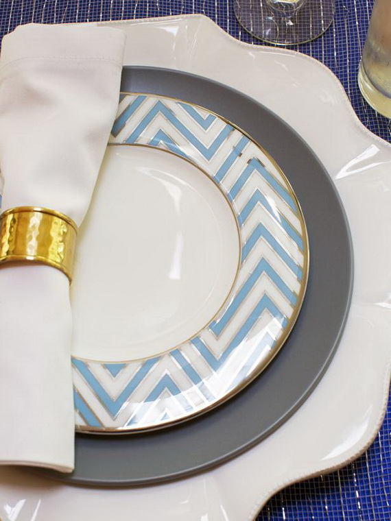 Classic and Elegant Hanukkah decor ideas_54