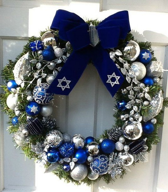 Classic and Elegant Hanukkah decor ideas_66