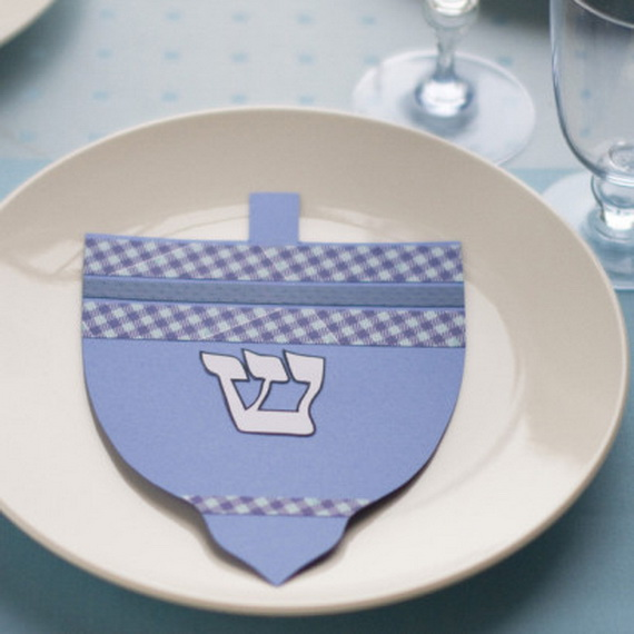 Classic and Elegant Hanukkah decor ideas_75