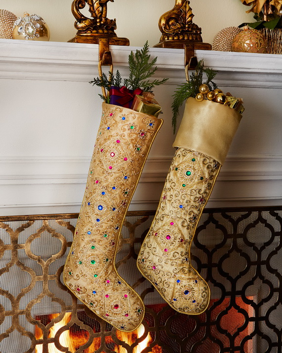 Creative Holiday In Gold Decorating Ideas_07