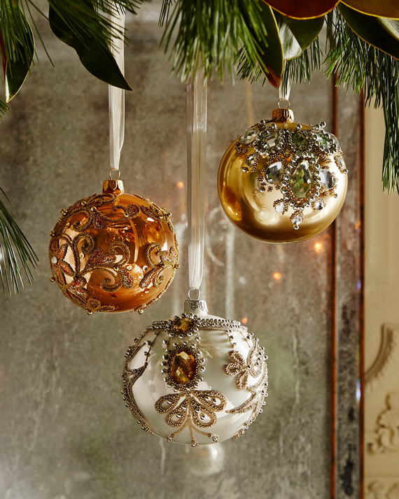 Creative Holiday In Gold Decorating Ideas_08