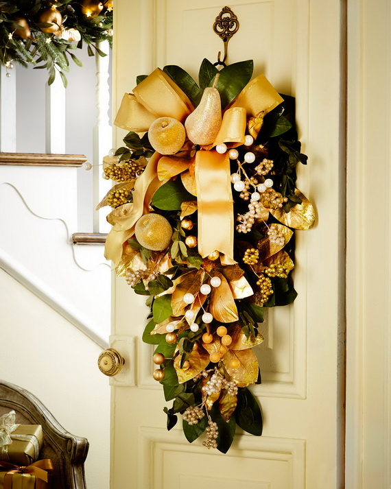 Creative Holiday In Gold Decorating Ideas_13