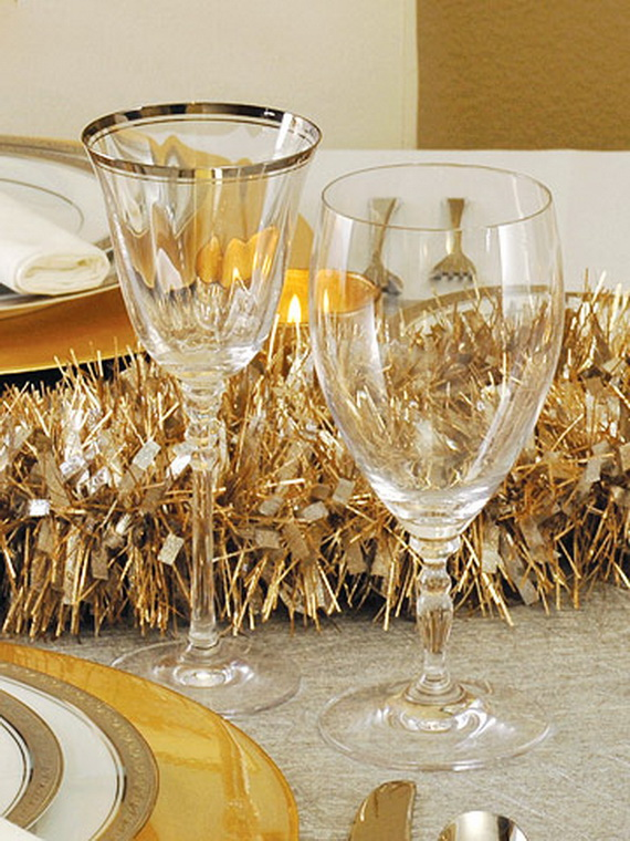 Creative Holiday In Gold Decorating Ideas_28