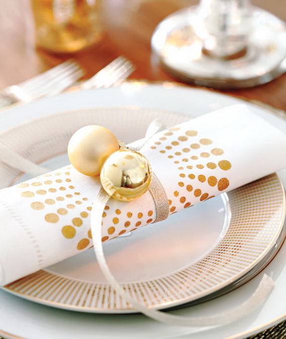 Creative Holiday In Gold Decorating Ideas_36