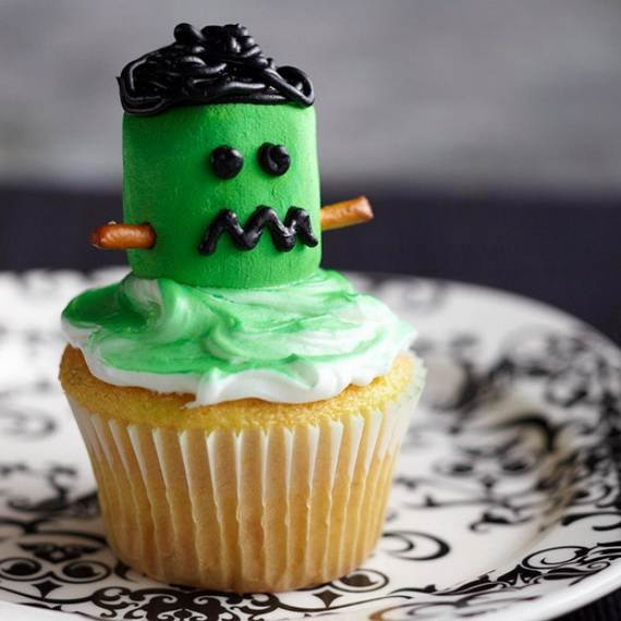 Creepy-Halloween-Ideas-50-Edible-Decorations-for-Halloween-Party-Table_19