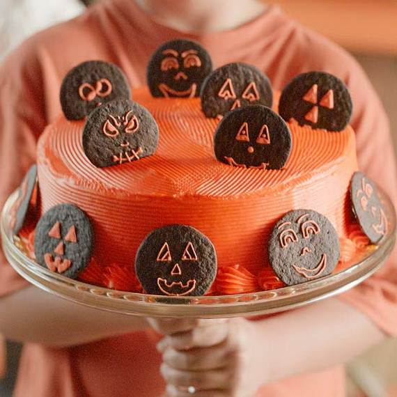 Creepy-Halloween-Ideas-50-Edible-Decorations-for-Halloween-Party-Table_38