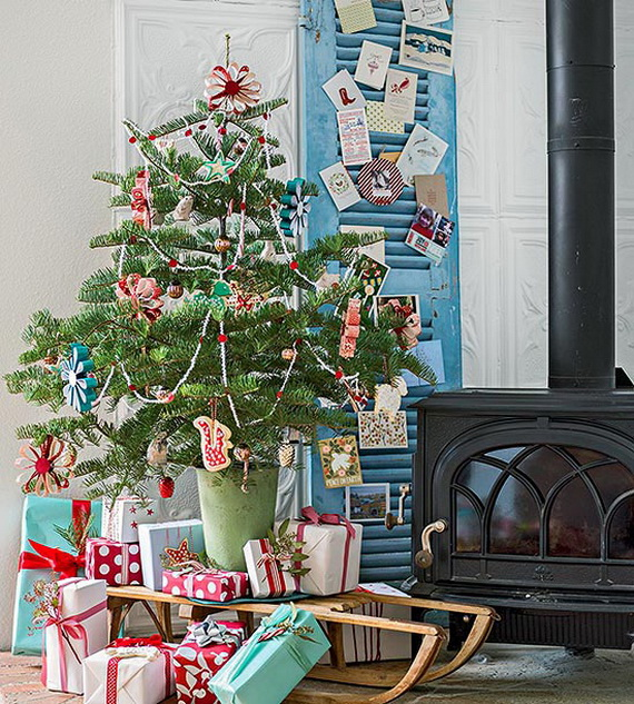 Festive Holiday Decor Ideas for Small Spaces (17)