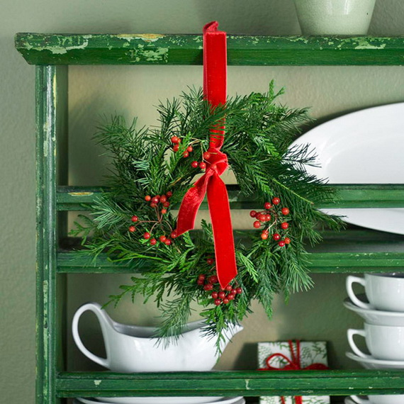 Festive Holiday Decor Ideas for Small Spaces (19)