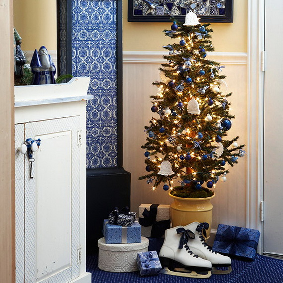 Festive Holiday Decor Ideas for Small Spaces (38)
