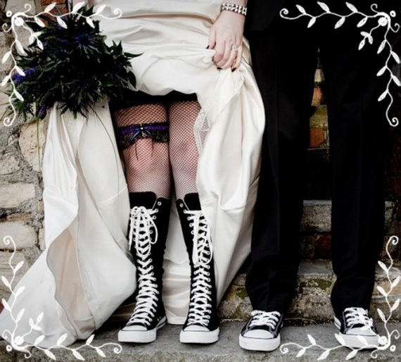 Gorgeous Halloween Wedding Shoes Inspirations For a Spooky Big Day_23