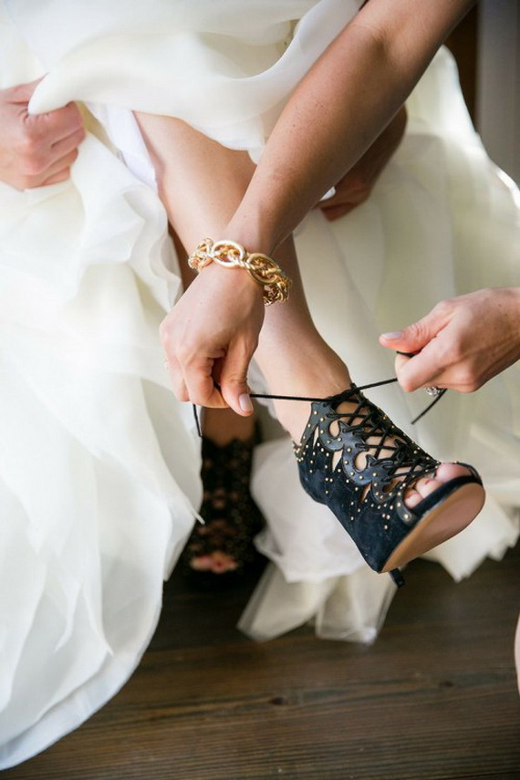 Gorgeous Halloween Wedding Shoes Inspirations For a Spooky Big Day_29