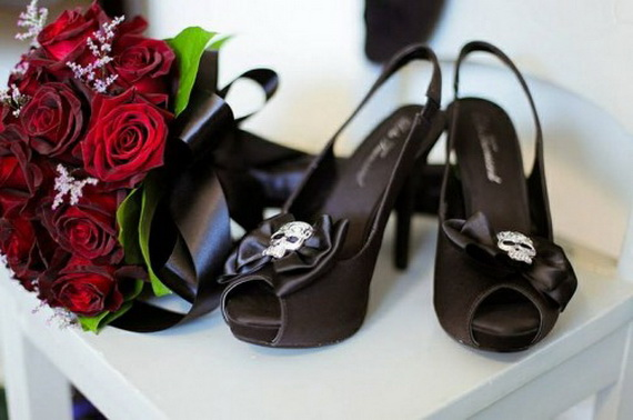 Gorgeous Halloween Wedding Shoes Inspirations For a Spooky Big Day_31