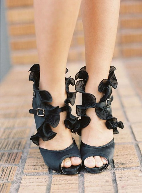 Gorgeous Halloween Wedding Shoes Inspirations For a Spooky Big Day_42