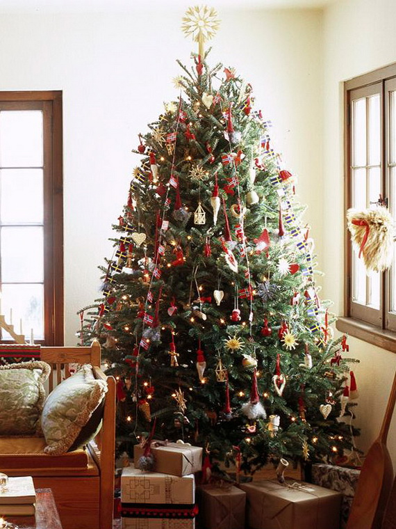 How to Decorate a Christmas Tree Traditionally In Easy Steps_02