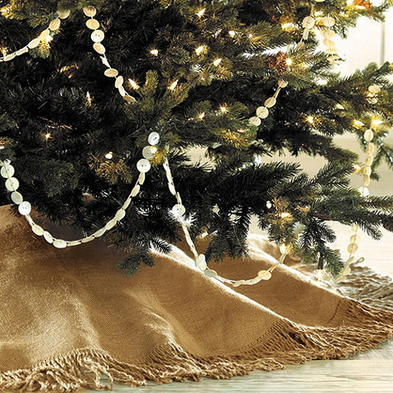 How to Decorate a Christmas Tree Traditionally In Easy Steps_4