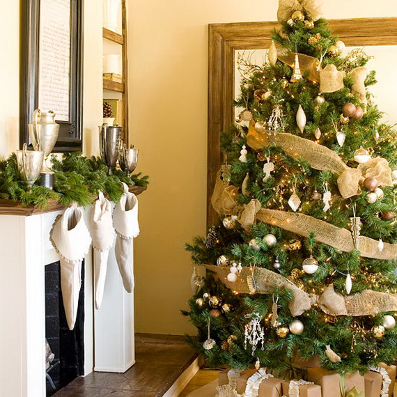 How to Decorate a Christmas Tree Traditionally In Easy Steps_41