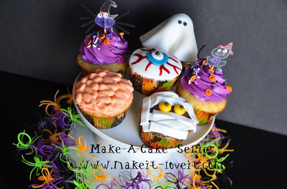 Sweet and salty Edible Halloween Decoration Ideas for kids _03