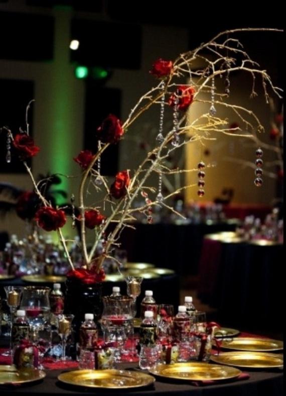 Whimsical Spooky Halloween Table Decoration Wedding Ideas _05