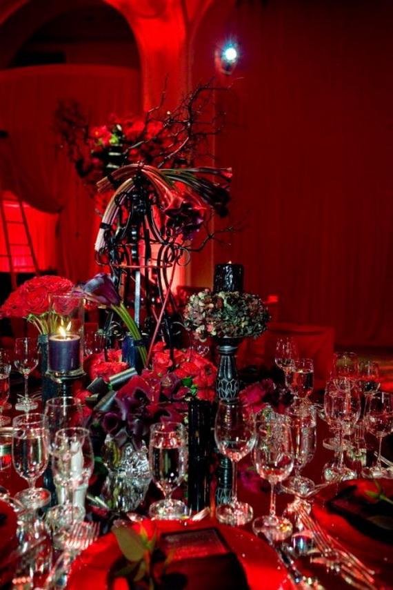 Whimsical Spooky Halloween Table Decoration Wedding Ideas _16