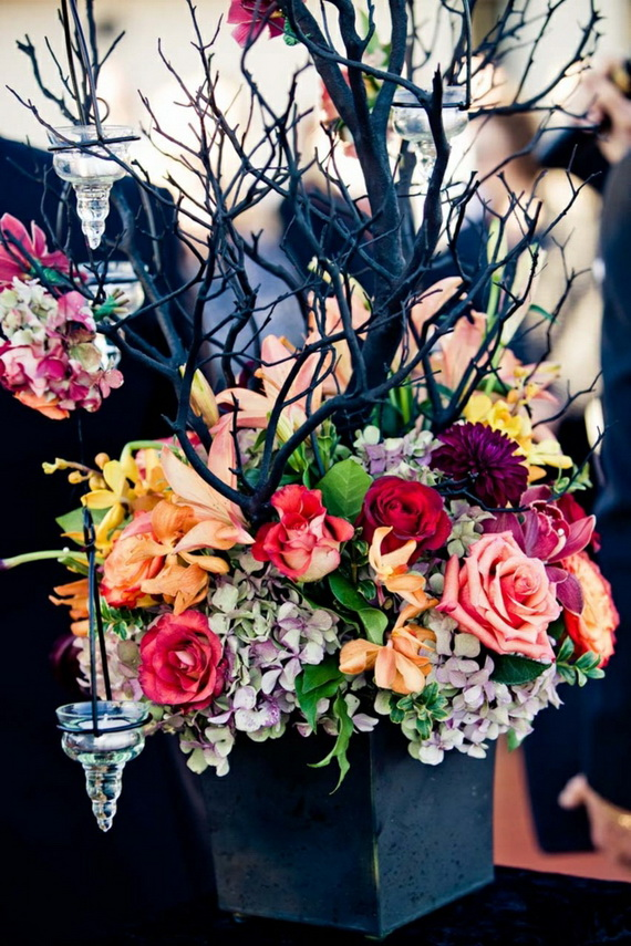 Whimsical Spooky Halloween Table Decoration Wedding Ideas _29