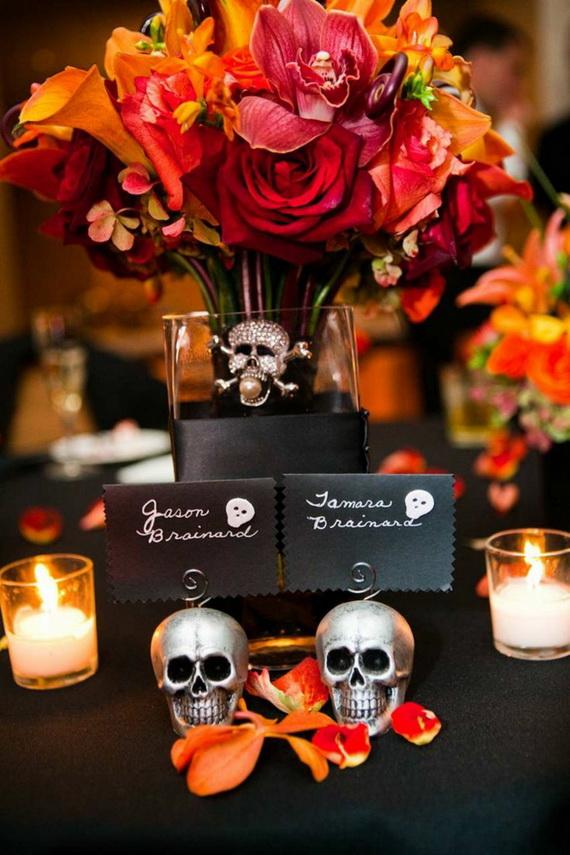 Whimsical Spooky Halloween Table Decoration Wedding Ideas _43