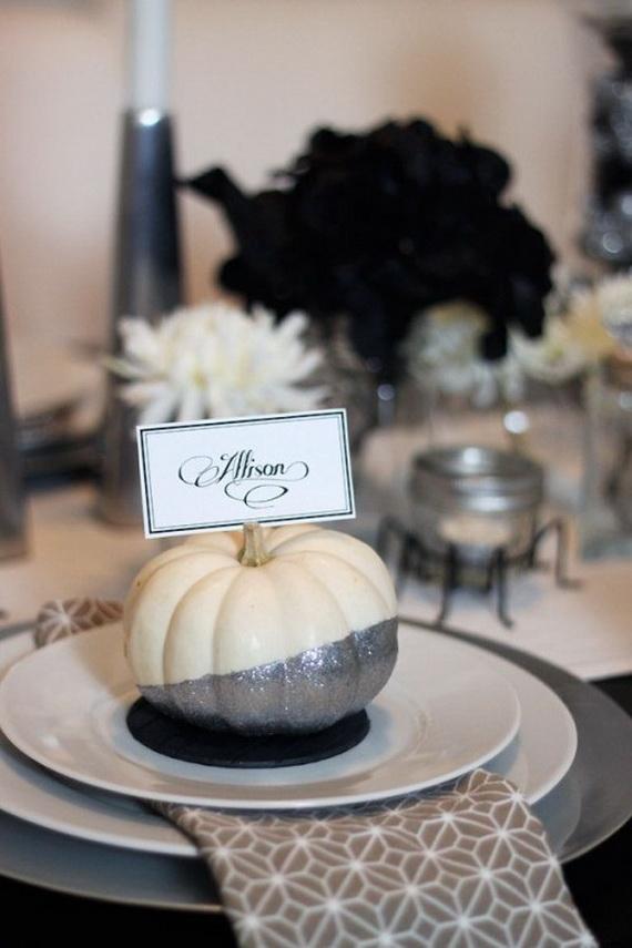 Whimsical Spooky Halloween Table Decoration Wedding Ideas _52