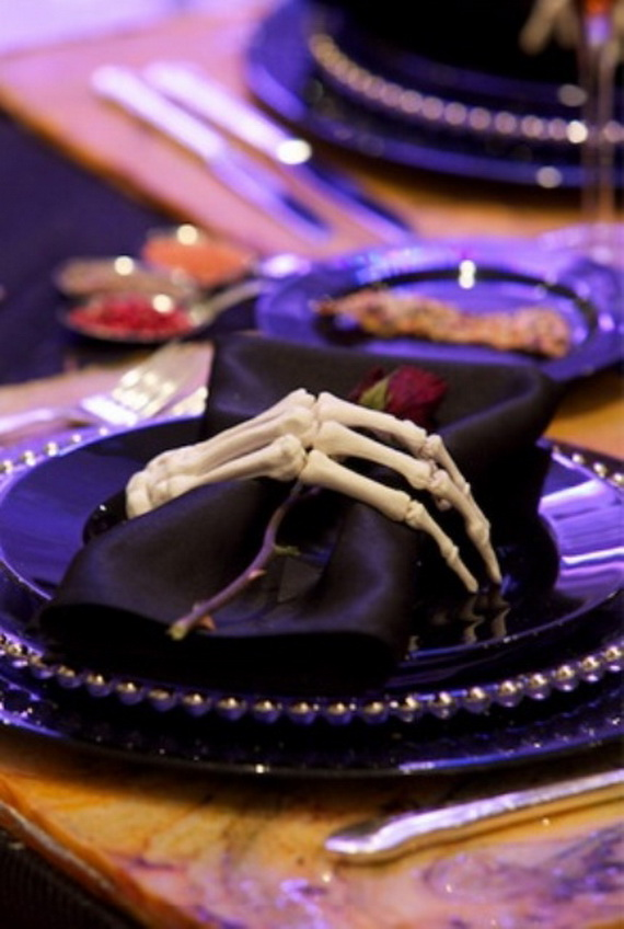 Whimsical Spooky Halloween Table Decoration Wedding Ideas _55