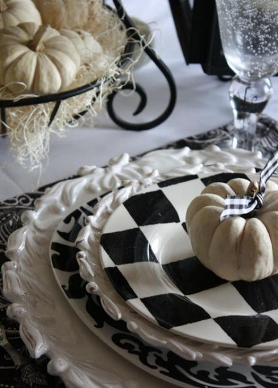 Whimsical Spooky Halloween Table Decoration Wedding Ideas _58