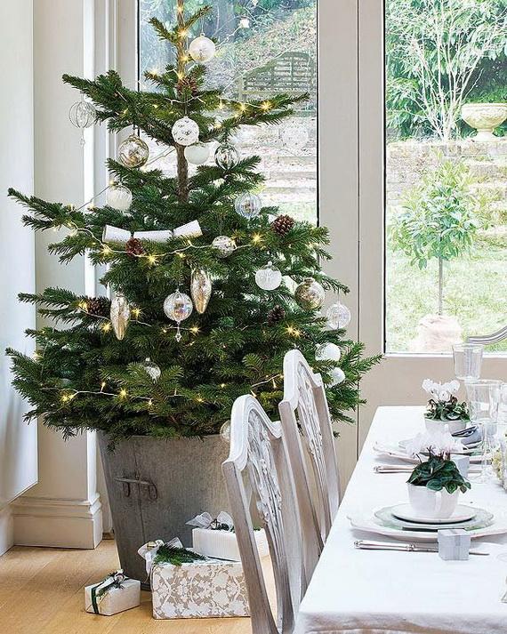 Amazing Christmas Dinner Table Decoration Ideas_12