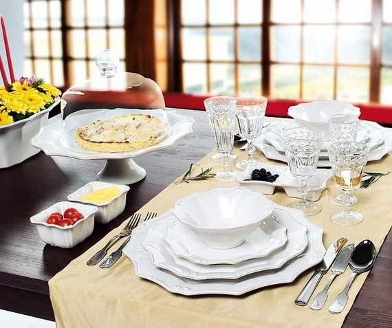 Amazing Christmas Dinner Table Decoration Ideas_25
