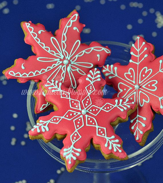 Creative Christmas Snowflake Decorating Ideas_019
