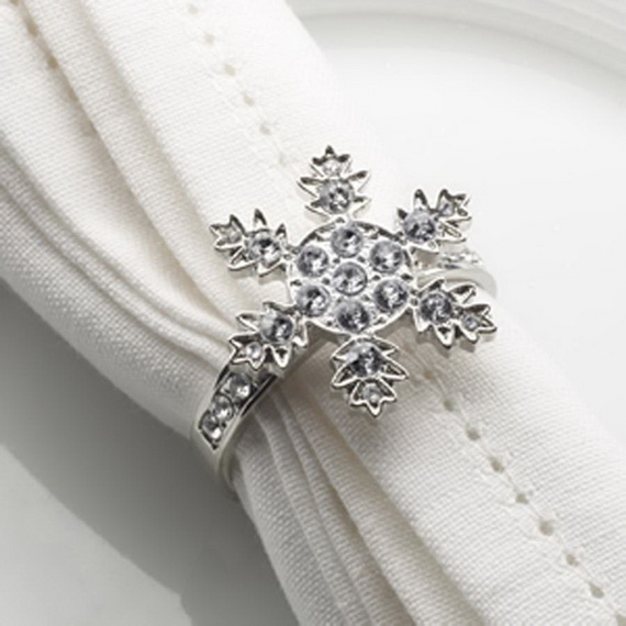 Creative Christmas Snowflake Decorating Ideas_081