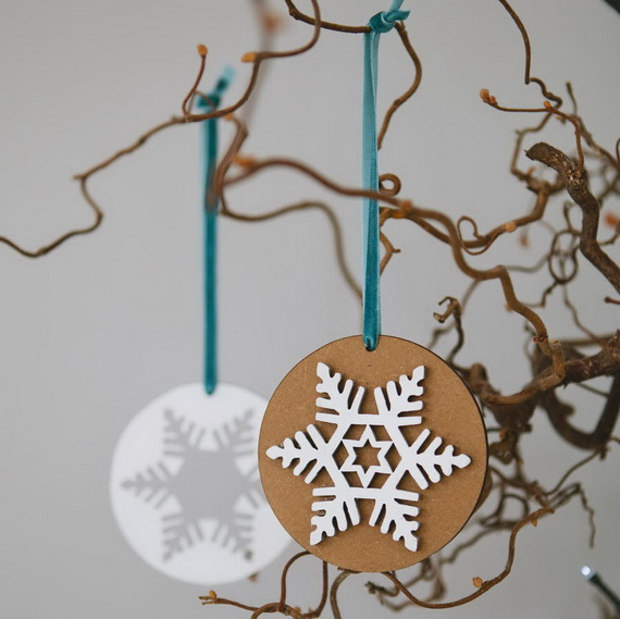 Creative Christmas Snowflake Decorating Ideas_087