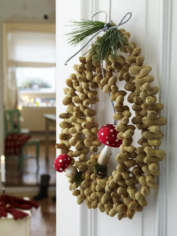 Creative Christmas Wreath Decor Ideas_69