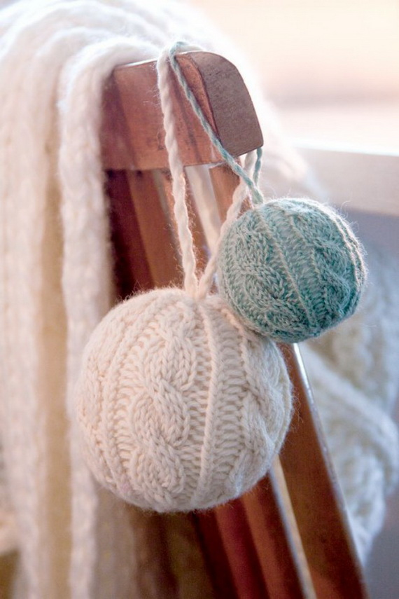 Cute And Cozy Knitted Christmas Decorations_02