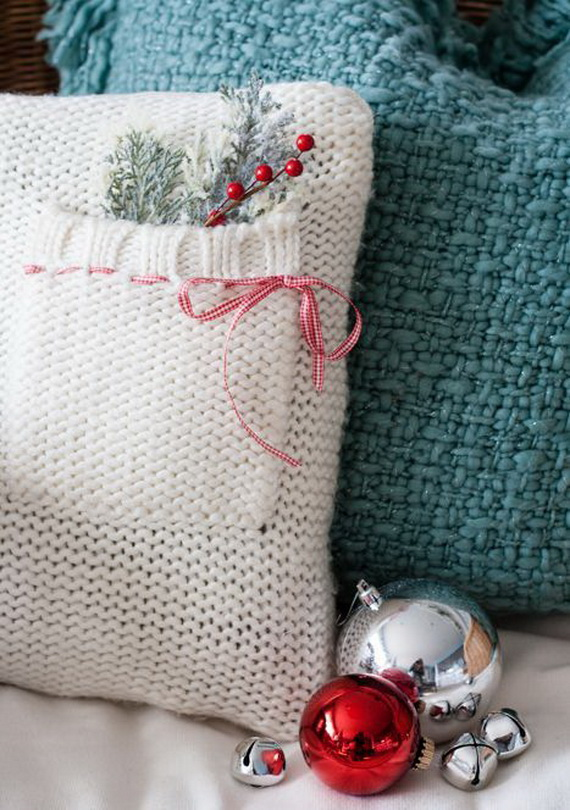 Cute And Cozy Knitted Christmas Decorations_16