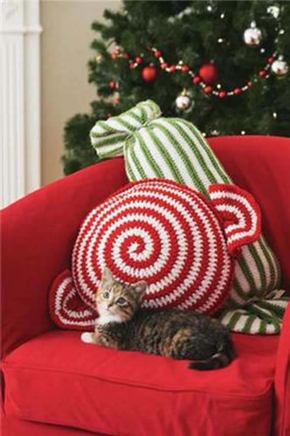 Cute And Cozy Knitted Christmas Decorations_17