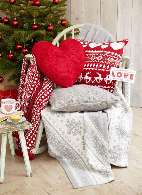 Cute And Cozy Knitted Christmas Decorations_19