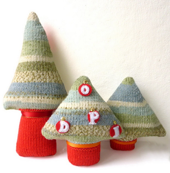 Cute And Cozy Knitted Christmas Decorations_38