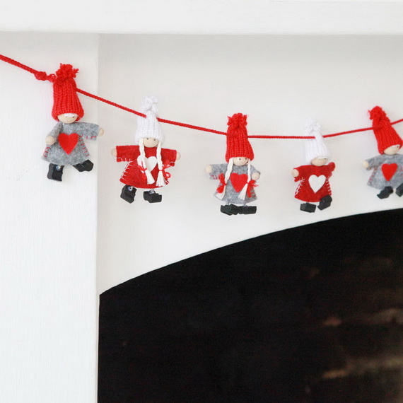 Cute And Cozy Knitted Christmas Decorations_39