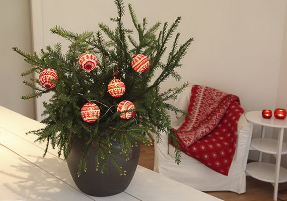 Cute And Cozy Knitted Christmas Decorations_52