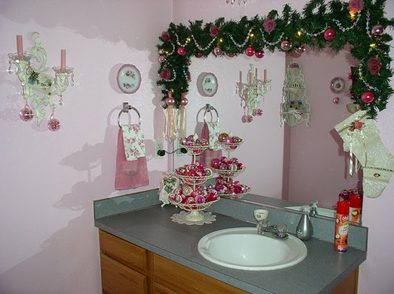 Festive Bathroom Decorating Ideas For Christmas_42