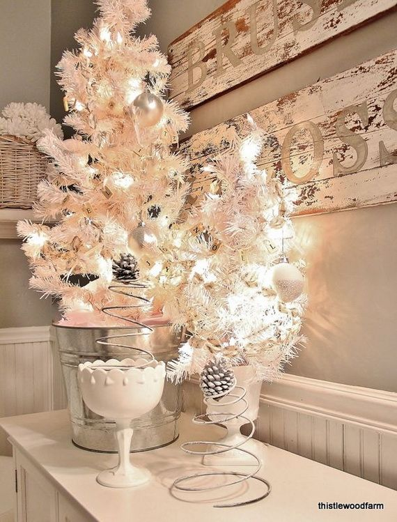 Festive Bathroom Decorating Ideas For Christmas_47