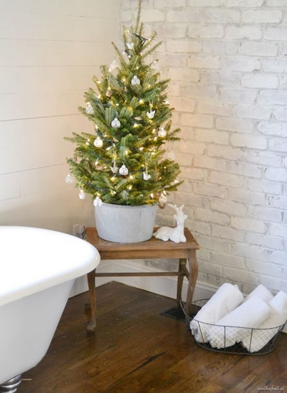Festive Bathroom Decorating Ideas For Christmas_52