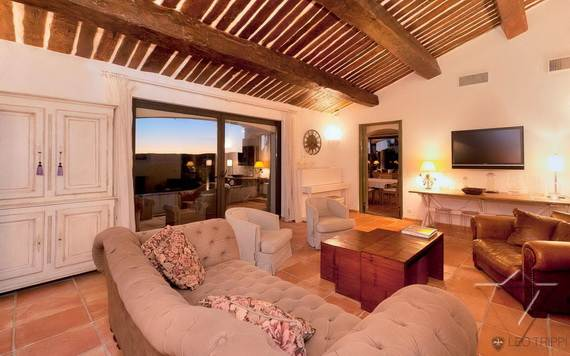 luxury-holiday-villa-rental-near-the-beach-in-st-tropez-villa-bella-_06