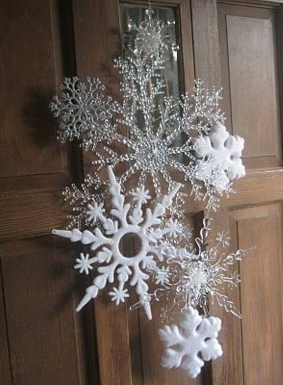 Snowflakes Inspiration Favorite Christmas Decorating Ideas (35)