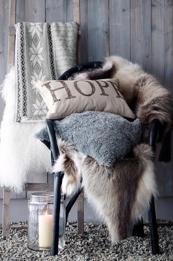A Little More Festive Scandinavian Christmas Decor (11)