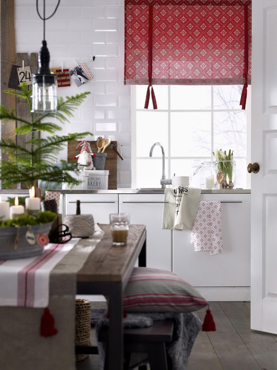 A Little More Festive Scandinavian Christmas Decor (5)